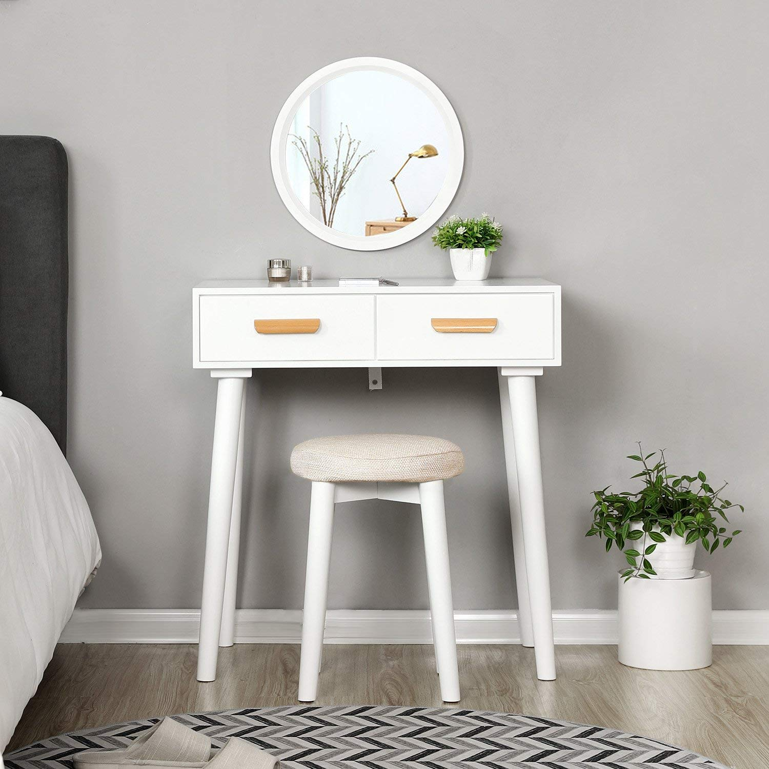 What are the maintenance methods for custom bedside tables